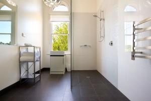 The Coach House - Downstairs bathroom